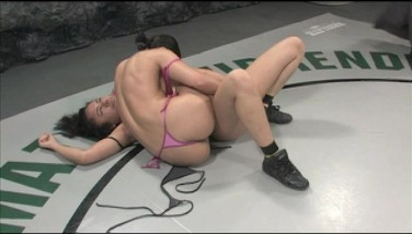 Annie Cruz Is A Hell Of A Wrestler And Squirter