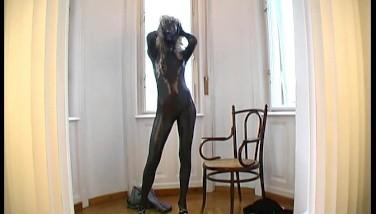 Pornstar Magdi Peels Off In Glistening Spandex