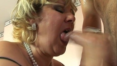 Mature Fat And Cute Gets Beaten By Youthfull Stud