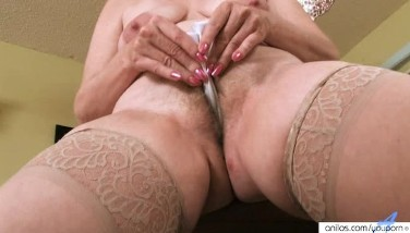 Milf Forces sesso lesbico