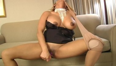 Get Super Hot With This Woman Toying With Herself Clip