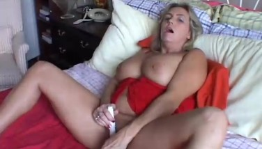 Shaved spread pussy pictures
