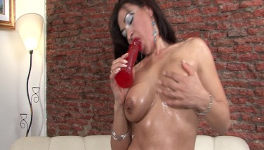 Mature Gal Works Her Holes