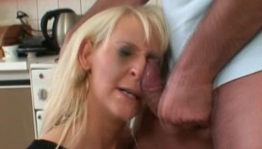 Wife Gasp Brought By Gasping A Cock