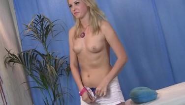 Hot Blond Has Impressive Massage