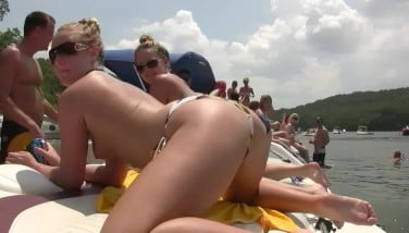 Naked Teenagers On A Boat  Dreamgirls