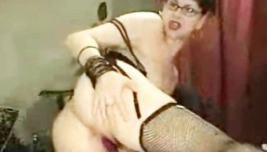 Horny Mummy Plays With Herself On Webcam