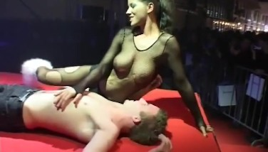 Sex Demonstrate On Stage