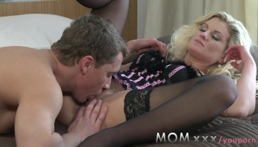 Mom Wooly Mummy Makes Enjoy To Her Man