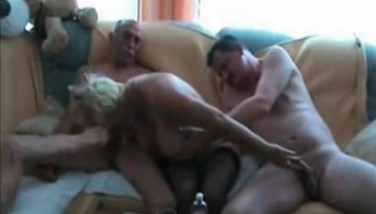 Ex Wifey Caught Having Bang-out On A Threesome