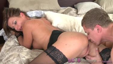 Love Internal Cumshot Mummy Biz Dame In Tights Likes Her Husband's Gigantic Cock