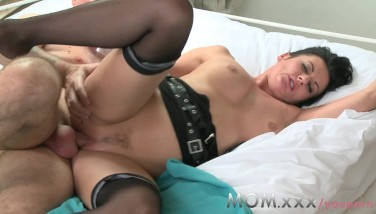 Mom Mature Dark Haired Mummy Can't Get Enough Cock