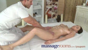 Massage Apartments Insatiable Youthfull Thick Melons Woman Has Hot Spot Climax Before Facial