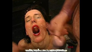 Brunette Mummy Gets Her Pretty Face Caked With Jizz