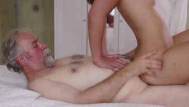 Sexy Czech Teenager Dame Having Hook-up With Old Dude For Helping With Her Car