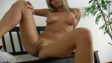 Blonde Honey Is A Real Dreamgirl