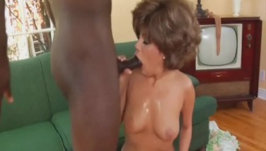 Moving pictures of girl deepthroating