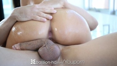 Hd Passionhd  Honey Whitney Gets Wonderful Rubdown After Her Workout