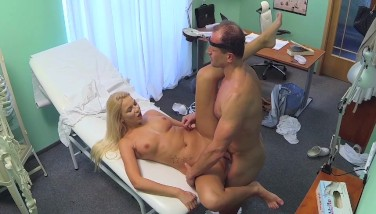Fakehospital Super-naughty Huge-chested Light-haired Receives A Internal Ejaculation From The Doctor