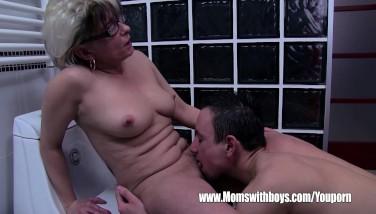 Grey Haired Stepmom Drills Her Shower Tugging Stepson