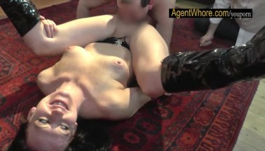 Licking And Finger-tickling Lesson For Inexperienced Nerd