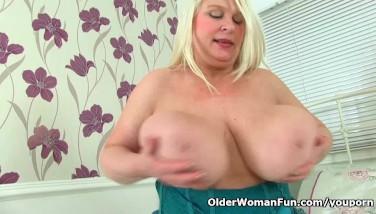 British Mummy Sammy Sanders Plays With Her Yam-sized Tits