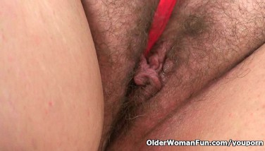 Uk's Finest Plumper Mummy Jayne Storm Glides A Fake Penis In