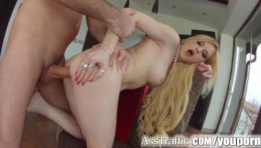 Asstraffic Platinum-blonde Enjoys Buttfuck Bang-out In This Gonzo Scene