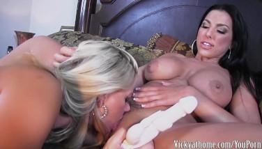 Teen κορίτσια γυναικείος οργασμός πορνό
