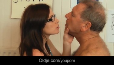 Young Doctor Poking And Throating Old Patient Pink Cigar With Her Glasses On