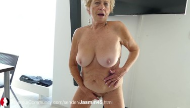 Big titties and pussy