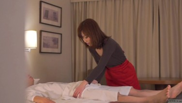 Subtitled Cfnm Asian Motel Mummy Rubdown Leads To Handjob