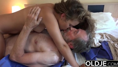 Old Youthfull Mind-blowing Teenage Maid Boinked By Gross Old Grandpa She Luvs Sex