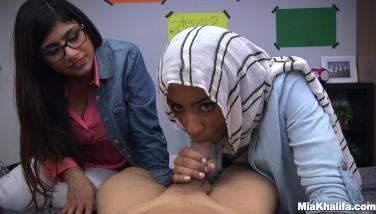 Blowjob Lessons With Mia Khalifa And Her Arab Pal Mk13818