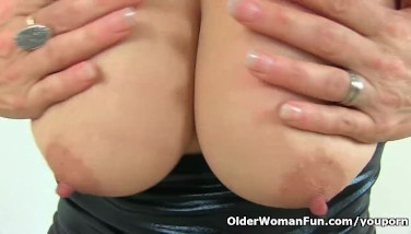 British Mummy Gemma Gold Can T Overlook Her Pantyhosed Fanny
