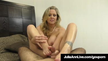 Hot Fashionable Mummy Julia Ann Takes A Spear In Her Throat And Hands