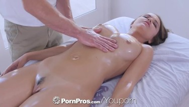 Pornpros Running In Rivulets Moist Cooch Rubdown And Ravage For Huge-titted Dillion Harper