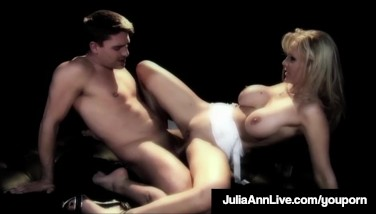Milf Princess Julia Ann Gets Ass Fucking Penetrated On Stage