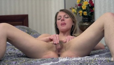 Jeniffer Drains In Sofa With Her Purple Toy