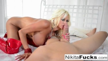 Hot Russian Mummy Takes On A Gigantic Prick In Point Of View Action