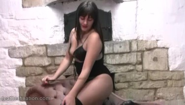Kinky College Girl Huge-chested Honey Clad In Leather Boulder-holder Harness And Hip Footwear With Crop In Hand