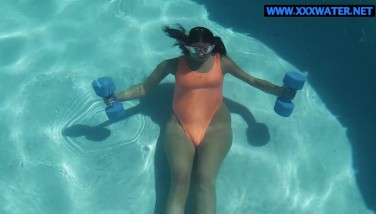 Micha Gantelkina Does Bare Work Out In The Water