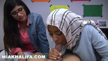 Mia Khalifa  Arab Experienced Penis Cockblower Gives Pal Oral Pleasure Lessons