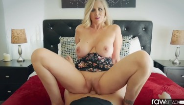 Raw Onslaught  Julia Ann Is Humped By A Yam-sized Weenie Hefty Butt And Meaty Boobs