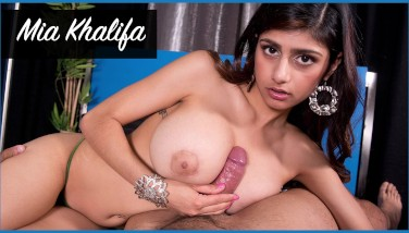 Bangbros  Mia Khalifa Looks Stellar As She Gets Her Arab Cunt Opened Up By Carlo Carrera