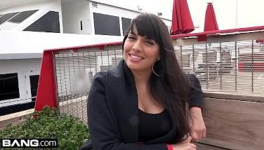 Bang Real Mummies  Latina Mercedes Carrera Gives A Filthy Bj