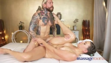 New porn 2020 Clit clamp tortured daddy