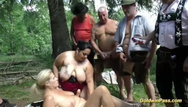German Outdoor Hookup With Plumper Girls