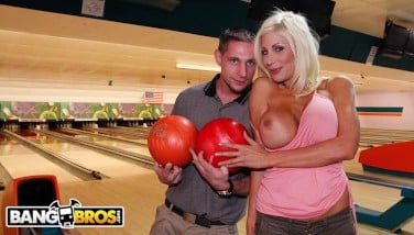 Bangbros  Amateur Man Gets To Go On Meeting With Gigantic Hooters Mummy Puma Swede