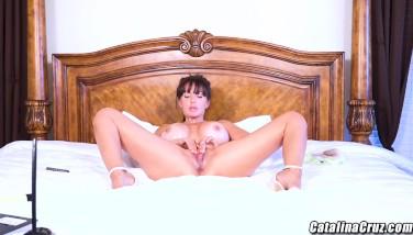 Riley reid meets catalina cruz for fuckfest live on webcam - 2 part 2